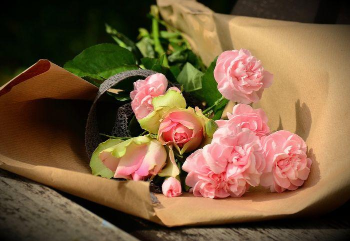 Цветочный этикет. Какие цветы дарить. Как принимать цветы
