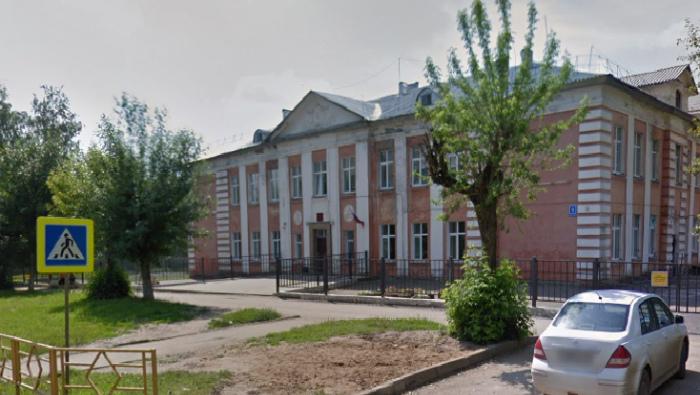 В Кирове вновь эвакуировали школу из-за перцового баллончика