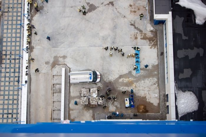 В Кирове прошли соревнования по скоростному подъёму на крышу комплекса «Кристалл»