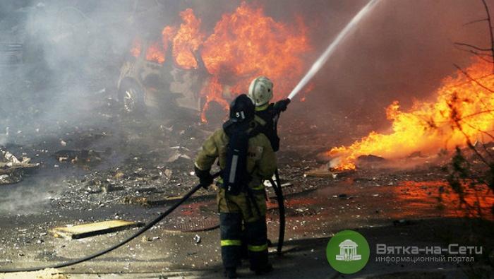 В Слободском районе сгорела пилорама, два человека госпитализированы