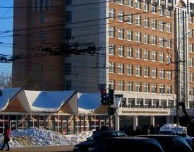 Торговые павильоны напротив администрации города установлены незаконно