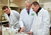 Профессор МГУ провел занятия на Заводе минеральных удобрений
