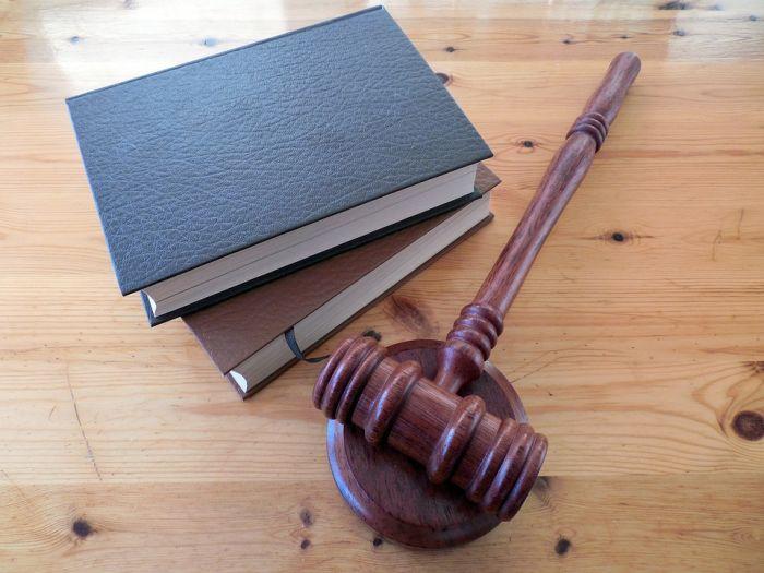 Гособвинение требует для бывшего директора КРИКа 9 лет лишения свободы