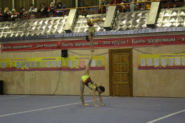 Кировские акробаты завоевали 9 золотых медалей на Всероссийском турнире