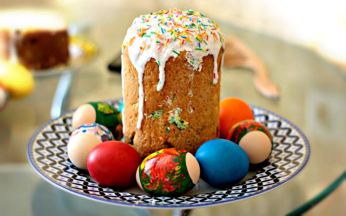 Сегодня в кировских храмах освящают куличи и яйца