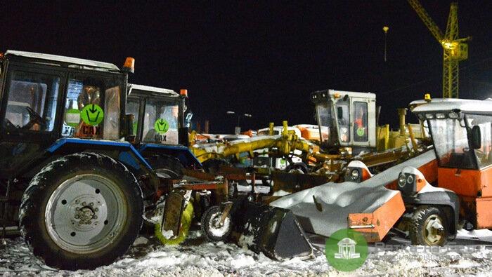 В Кирове увеличили количество выводимой на улицы города снегоуборочной техники
