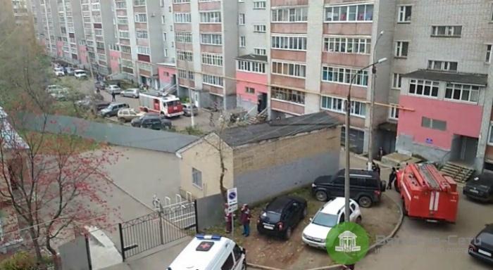В Кирове оцепили один из подъездов дома на улице Мопра
