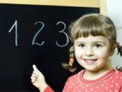 Записать детей в первый класс теперь можно и через интернет