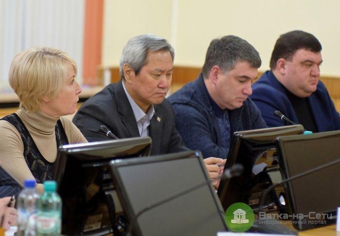 К 2024 году в Кировской области отремонтируют 700 километров дорог