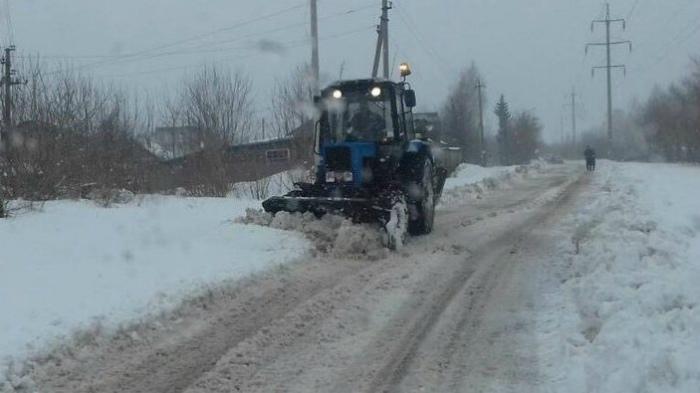 В Кирове подрядчики очищают улицы от снега круглосуточно