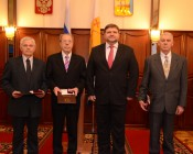 Накануне Дня области Никита Белых вручил премии