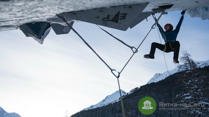 Мария Толоконина стала победительницей 5 этапа Кубка мира по ледолазанию