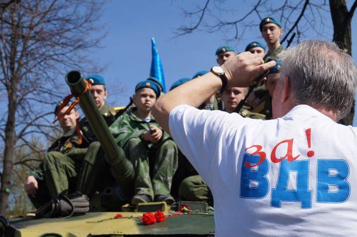 День ВДВ кировские десантники отметят в небе