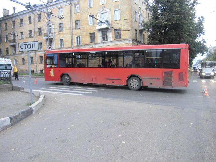 Автобус 53 маршрута насмерть сбил женщину