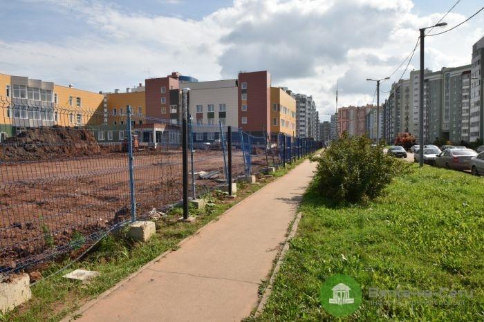 Строительство школы в Чистых прудах завершается