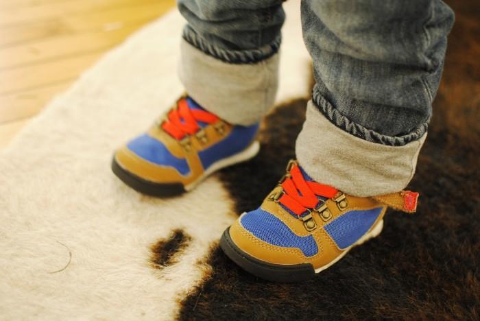 Как подобрать детскую обувь по размеру?