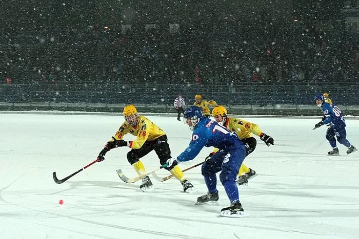 В Кирове стартовал чемпионат России по хоккею с мячом
