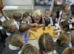 Дымковская игрушка: история и современность