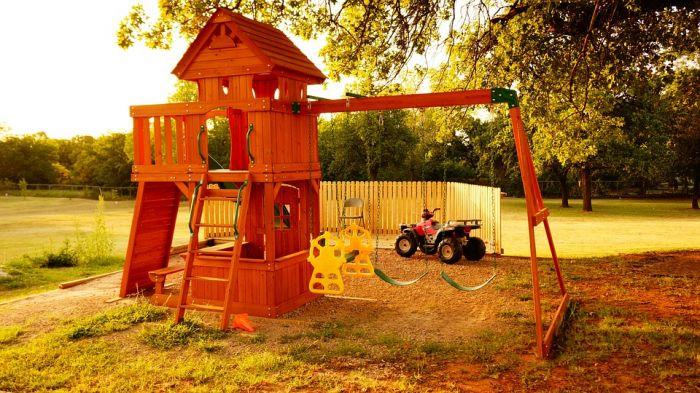 Игровая площадка для детей на даче. Как выбрать?