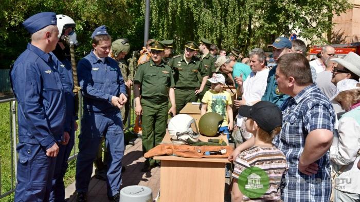 После выступления «Русских витязей» 56 кировчан решили служить по контракту