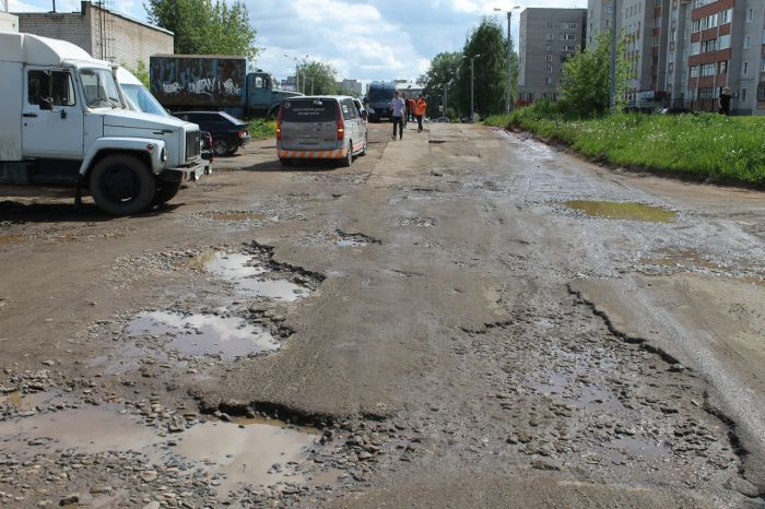 Студенческий проезд не вошел в план ремонта дорог на 2018 год