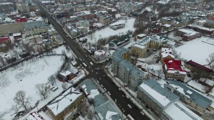 Александр Перескоков поручил к понедельнику очистить все крыши от снега