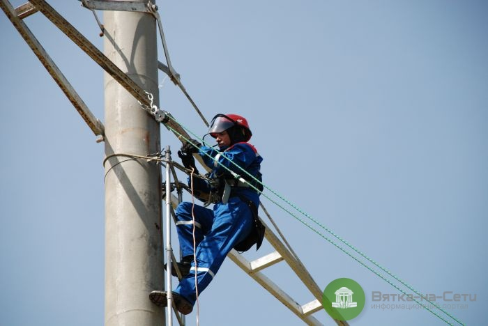 За полгода в Кирове отремонтировали почти 3 км линий электропередач