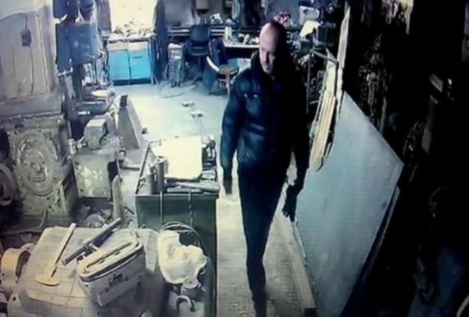 Розыск: мужчина похитил 1800 рублей