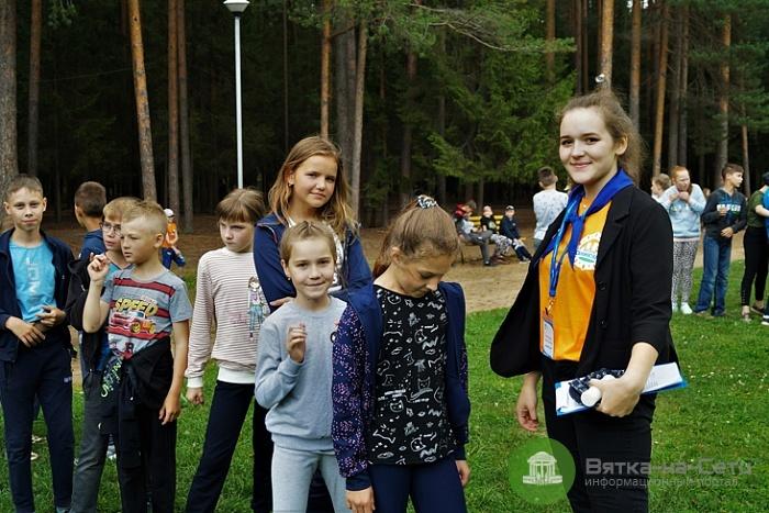 В Кирове начали выдавать путевки в детские лагеря
