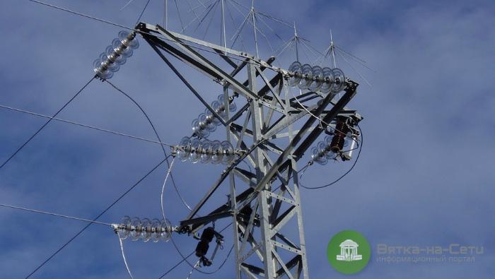 Непогода вызвала отключения электричества в районах Кировской области