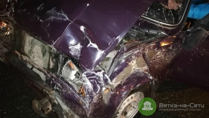 В Кирове при столкновении двух ВАЗов пострадали пять человек