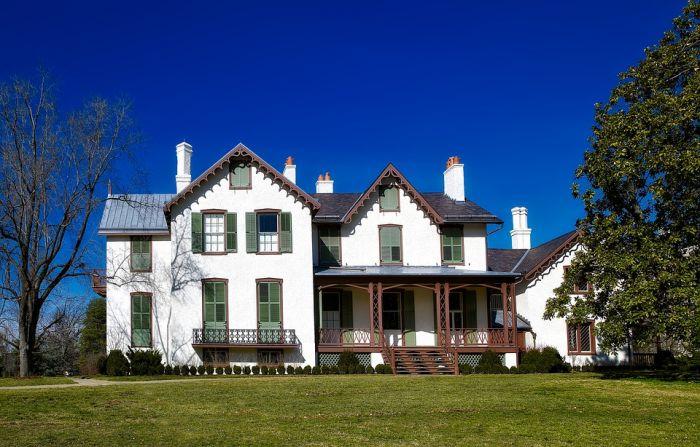 Как обезопасить загородный дом?