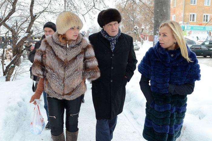 Юлия Шевцова объяснила, почему она ходит в кожаных штанах, а врио губернатора - в волчьей шубе