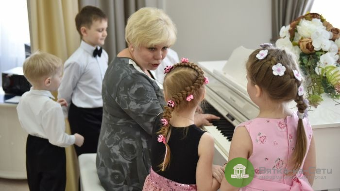 В новые детские сады в Кирове набирают 400 сотрудников