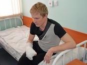 Уникальную операцию по пересадке пальца с ноги на руку выполнили кировские врачи