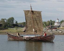 Новгородцы-ушкуйники высадятся на берег Вятки