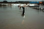 Понтонный мост в мкр. Каринторф полностью затопило
