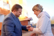 Кировские учителя и воспитатели получили новые служебные квартиры