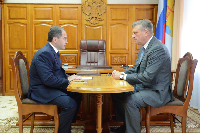 Михаил Бабич официально представил врио губернатора Кировской области Игоря Васильева
