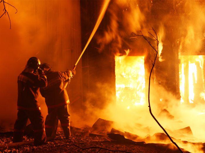 ВСлободском пожар забрал жизни пенсионерки и 2-х маленьких девушек
