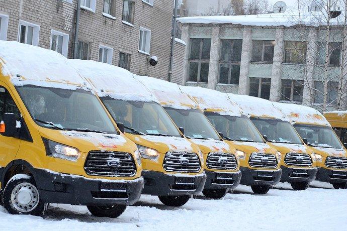 В Кировскую область поступили 18 новых школьных автобусов
