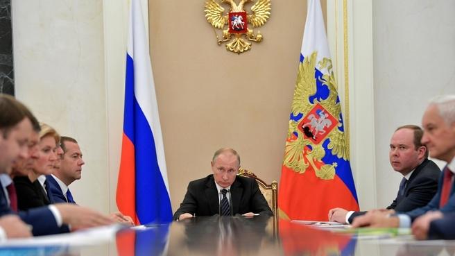 Владимир Путин после подсчета 70% бюллетеней набирает почти 76% голосов