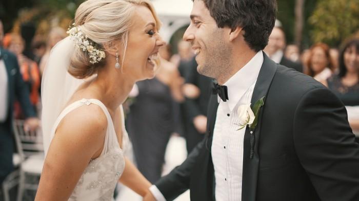 Профессиональный тамада на свадьбу: этапы поиска и критерии выбора
