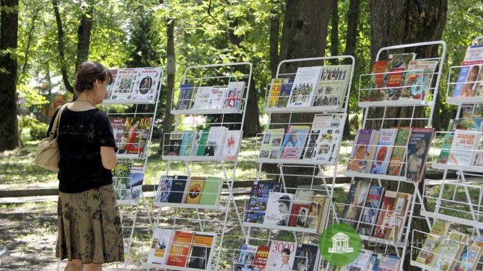Для кировчан откроют «книжный чемоданчик»