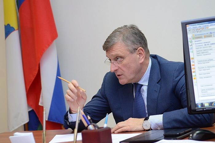 Кировских чиновников заставят придерживаться правил этики  и делового стиля в одежде