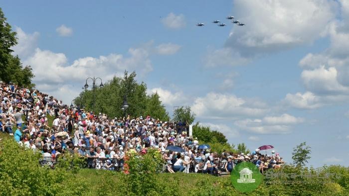 Более 20 тысяч кировчан собрались на выступление «Русских Витязей»