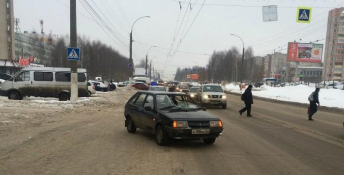На Московской сбили мужчину на пешеходном переходе