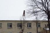 В Яранске ветром сломало трубу котельной: чуть не пострадали дети