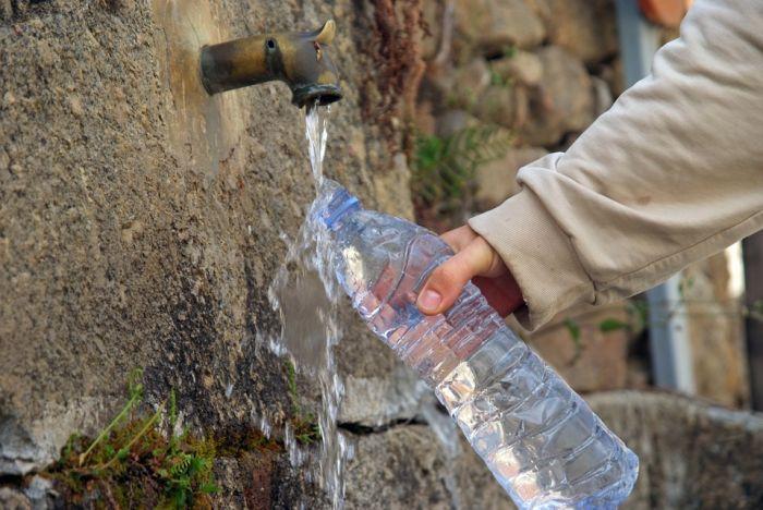 Роспотребнадзор не рекомендует пить воду из кировских родников