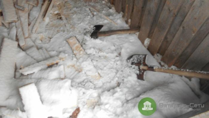 На пилораме в Шабалинском районе мужчина зарубил спящего коллегу топором
